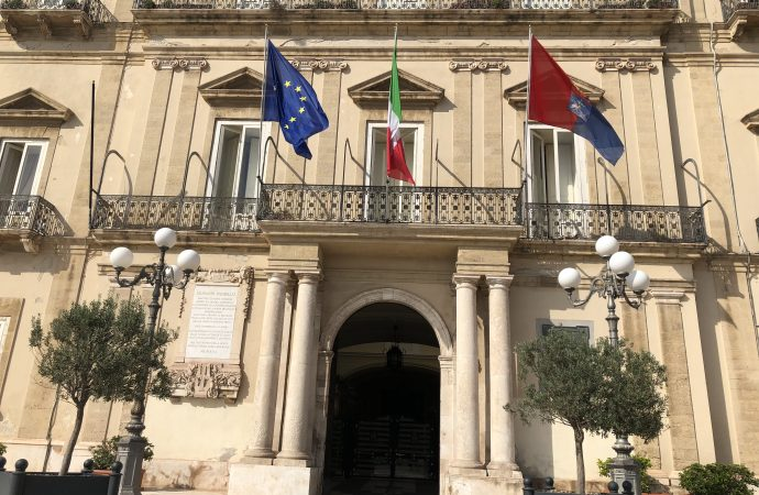 Comitati e associazioni: Ilva chiusa. Il 9 dicembre sit in sotto Palazzo di città