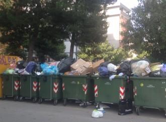 """Taranto, un'altra domenica di """"monnezza selvaggia""""? I sindacati scrivono al Prefetto"""