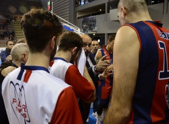 Teppisti in azione anche nel basket, scontri ieri sugli spalti di Monteroni-Cus Jonico