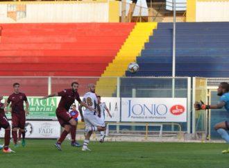 Taranto-Nardò 2-1, Pera si sblocca allo Iacovone