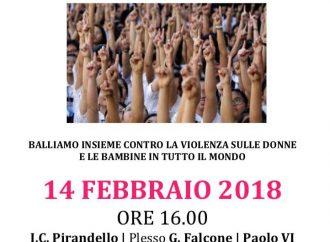Stop violenza sulle donne, flash mob alla Pirandello