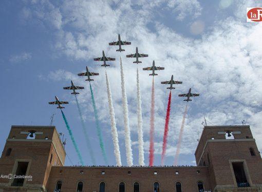 Giuramento Aeronautica, le Frecce Tricolori abbracciano Taranto
