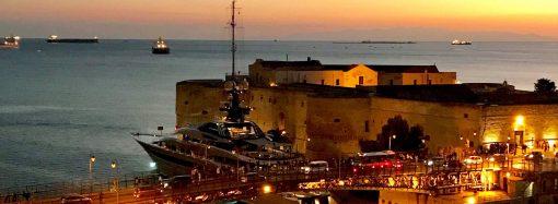 Tramonto mozzafiato tra i due Mari di Taranto