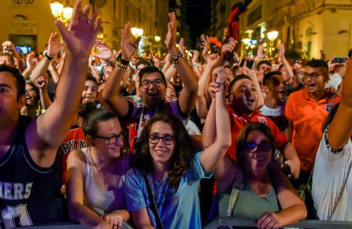 Taranto festeggia il Taranto, domenica debutto col Brindisi