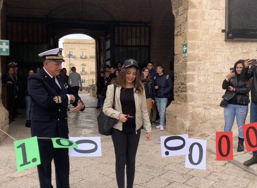 Taranto, ecco il milionesimo visitatore del Castello Aragonese [VIDEO]