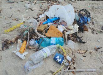 Legambiente: 5 rifiuti ogni passo in spiaggia. Il caso di Lido Bruno a Taranto