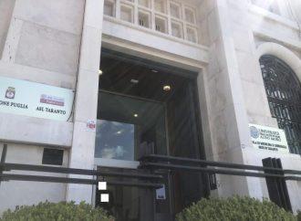 Vaccinazioni, da domani le nuove prenotazioni. A Taranto altri due centri in allestimento
