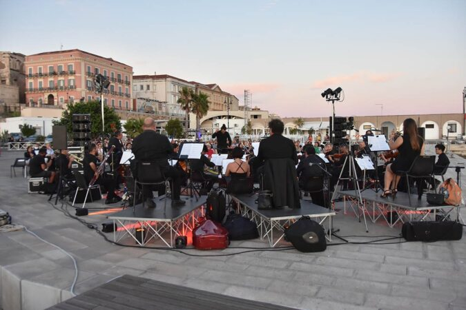 Taranto, il Magna Grecia Festival porta Beethoven sul Molo Sant'Eligio