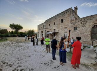 Taranto, sul Mar Piccolo i cavalieri di Re Artù