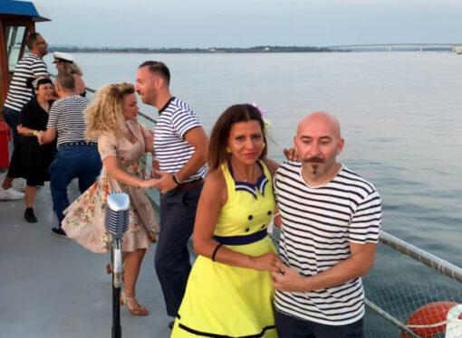 """Swing on boat in Taranto, ultimo appuntamento dell'estate <span class=""""dashicons dashicons-calendar""""></span>"""