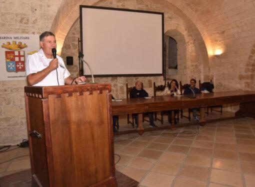 """""""Fringuella"""" al Castello Aragonese, la 2°Guerra Mondiale a Taranto raccontata agli studenti"""